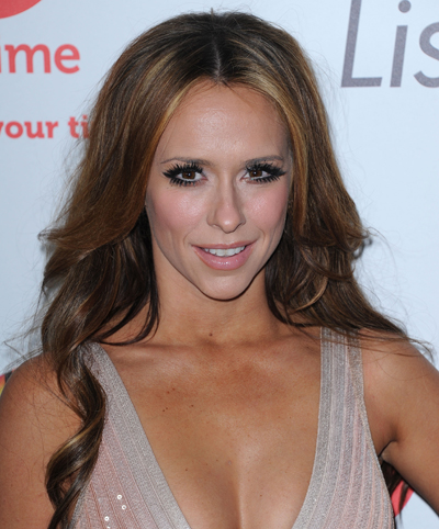 Jennifer Love Hewitt Feels Embarrassed About Her Crush On Adam Levine