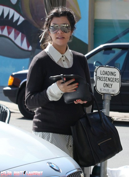 Report: Pregnant Kourtney Kardashian Abandoned By Scott Disick