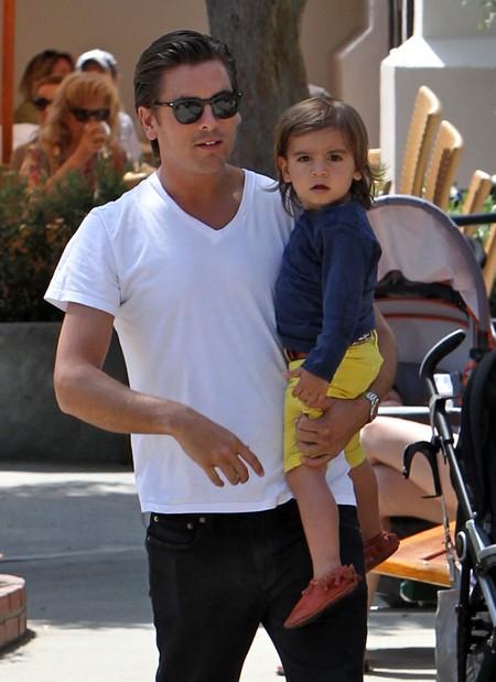 Scott Disick Drives Pregnant Kourtney Kardashian To Fight With Her Sister Khloe