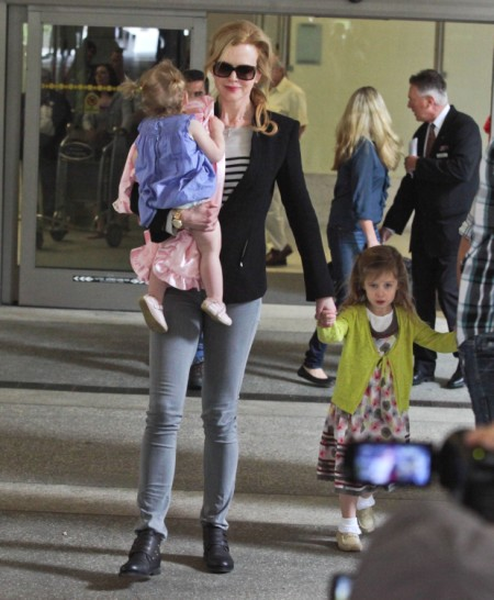 Is Katie Holmes Making Nicole Kidman Look Like A Bad Mother? 0703