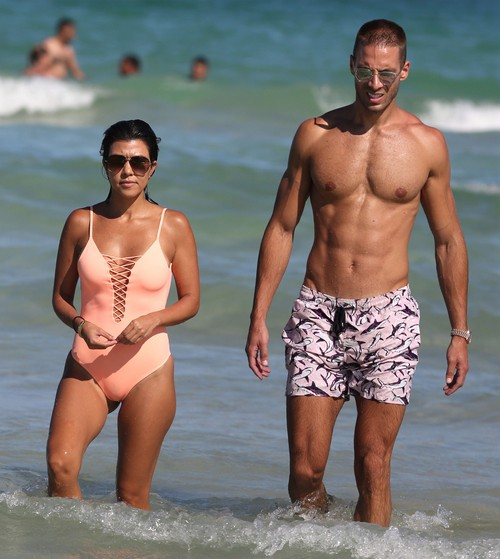 Kourtney Kardashian Breaks Up With Justin Bieber: Odd Couple Split Over Bieber's Hook-Ups?