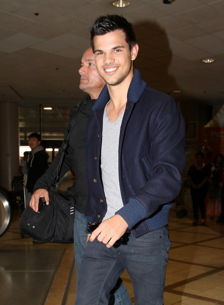 Next Up For Taylor Lautner: Parkour!!
