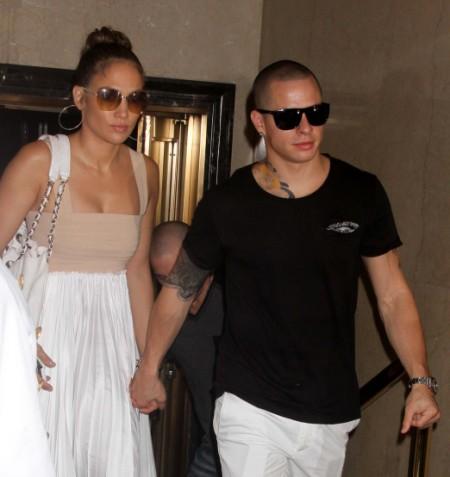 Jennifer Lopez Casper Smart Break Up Will Happen Soon; Singer Tired Of Babysitting 0804