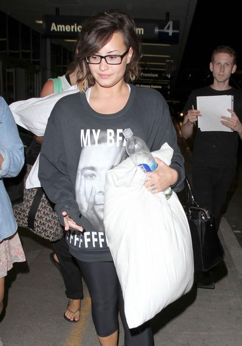 Is Demi Lovato A Lesbian?