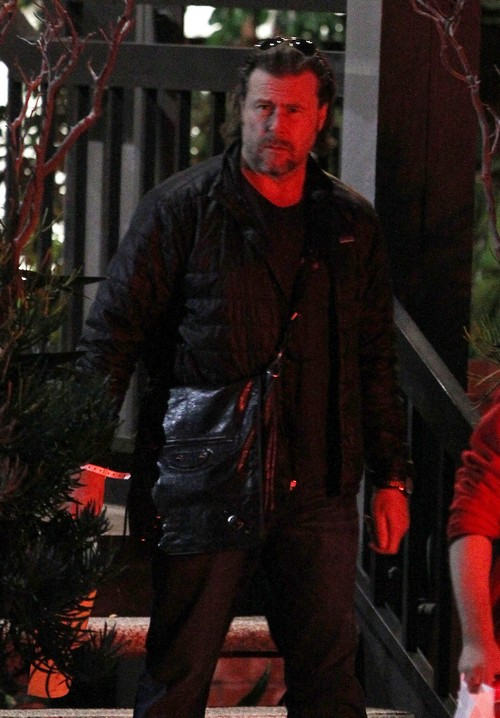 Semi-Exclusive... Dean McDermott Leaves A Therapy Session
