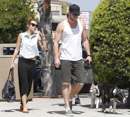 Miley Cyrus Told Liam Hemsworth: Marry Me Or I'm Gone! 0611