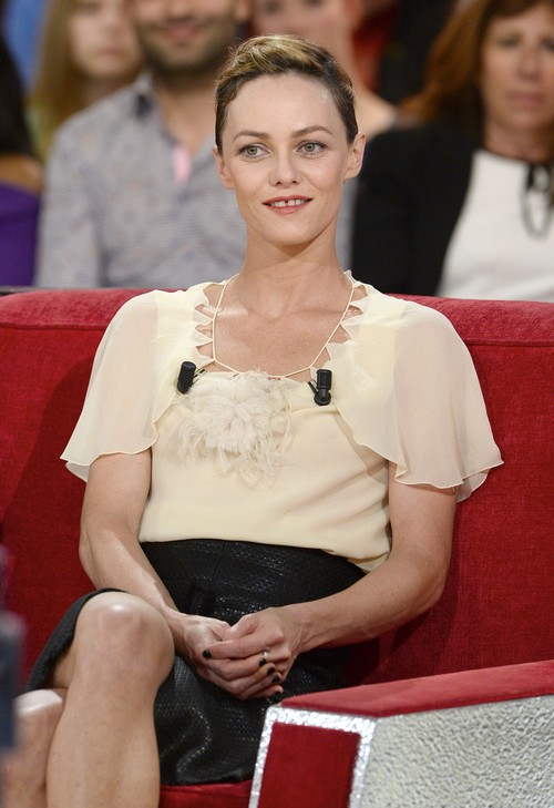 "Vanessa Paradis Appears On ""Vivement Dimanche"""