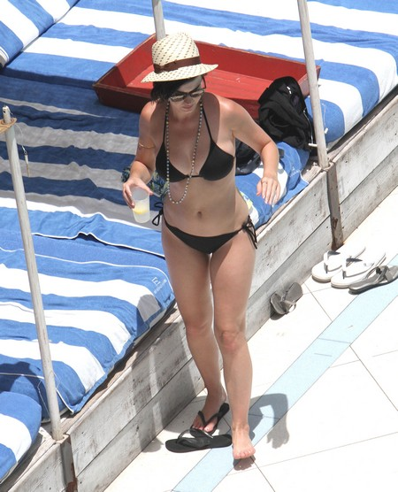Pics! Bikini-Clad Katy Perry Flirts & Relaxes Poolside In Miami!