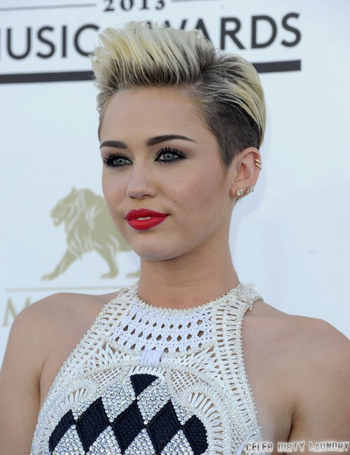 Miley Cyrus Not Dumped By Liam Hemsworth - Engagement Is Still On!