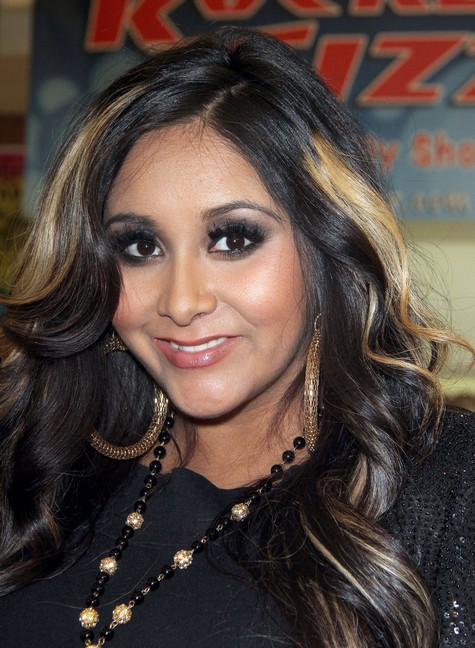 Snooki May Hate Her Boobs But She's Not Hiding Them During Pregnancy! (Photo)