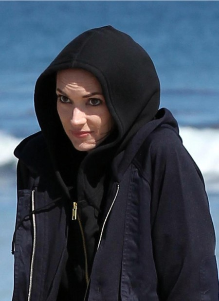 Looks Like Winona Ryder is Shoplifting Again (Photos) 0708