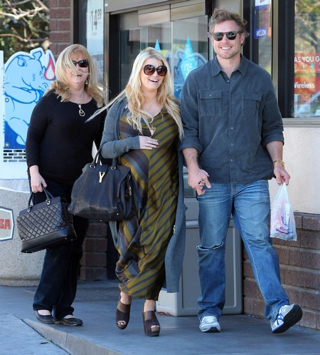 Jessica Simpson's Upcoming Marriage At Risk Due To Father And Fiance Conflict