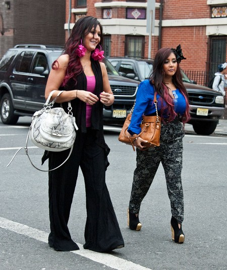 Pics! Pregnant Snooki, Injured JWoww, & Sammi Visit Dina Cortese In Lock Up After Her Arrest!
