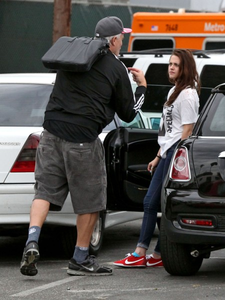 Kristen Stewart Breaks Down In Public After The Affair (Photos) 0808