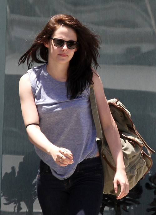 Kristin Stewart Hits The Gym!