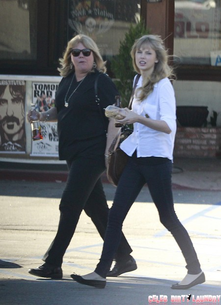 Exclusive... Taylor Swift Meets Mom Andrea for Lunch and Antique Shopping