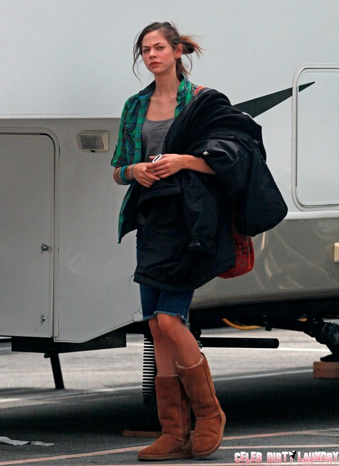 "Exclusive... Exclusive...Analeigh Tipton On Set Of ""Stupid Crazy Love"""