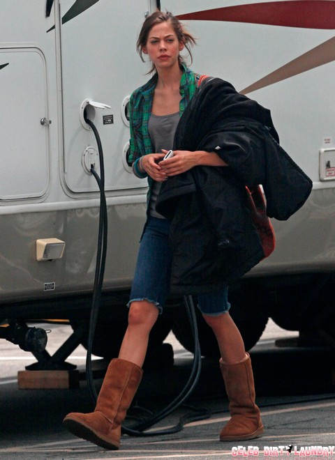 """Exclusive... Exclusive...Analeigh Tipton On Set Of """"Stupid Crazy Love"""""""
