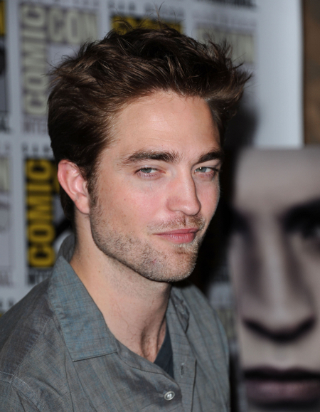 Robert Pattinson Demands To Know How Many OTHER Men Kristen Stewart Slept With