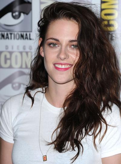 """Egotistical Kristen Stewart Is """"Very Confident"""" Robert Pattinson Won't Break Up With Her"""