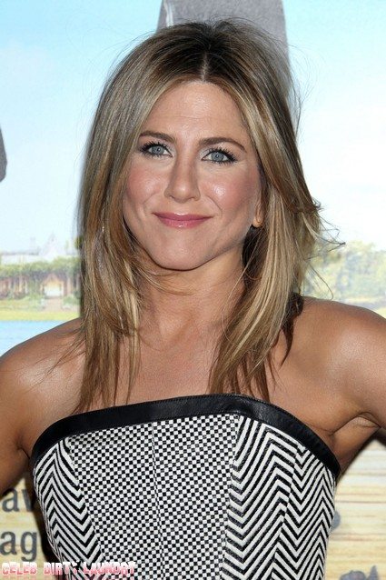 Jennifer Aniston Still Denying Her Age And Crying About No Baby