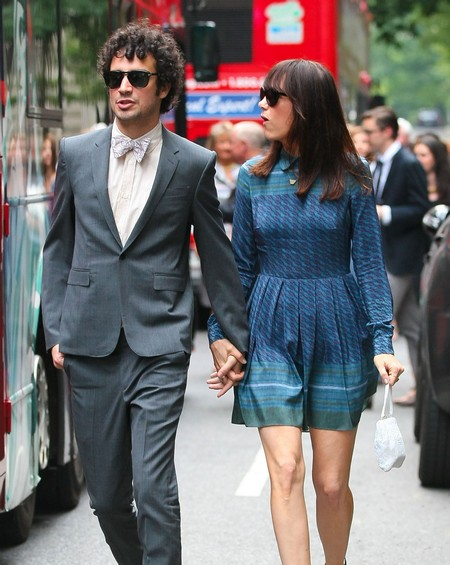 Kristen Wiig Strokes Her Love With The Strokes Fabrizio Moretti