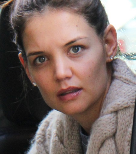 Katie Holmes Bullies Tom Cruise's Daughter Isabella By Firing Her