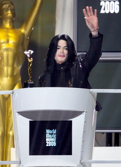 Michael Jackson Could Not Have Administered the Fatal Dose of Propofol