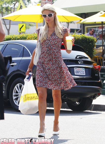 Paris Hilton Gets Some Lemonade!
