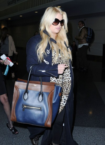 Jessica Simpson Delays Wedding Due To Baby Bump