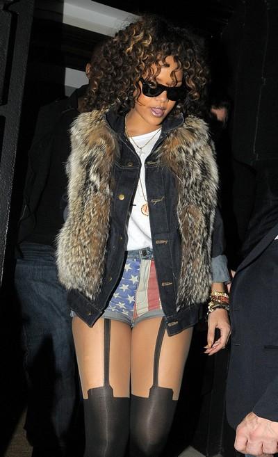 Rihanna Nearing A Mental Breakdown