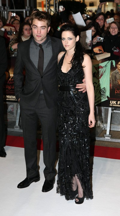 Kristen Stewart Moves In Permanently With Robert Pattinson