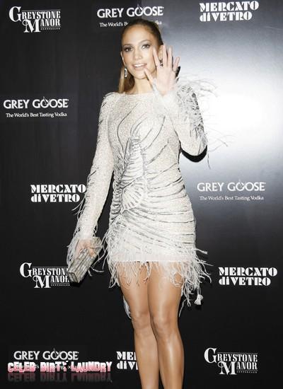 Jennifer Lopez Calls Herself A 'Working Mother' LOL