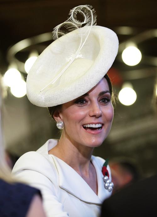 Kate Middleton Heeds Warning: Princess Diana Cries Over Crushing Royal Pressure in Secret Tapes