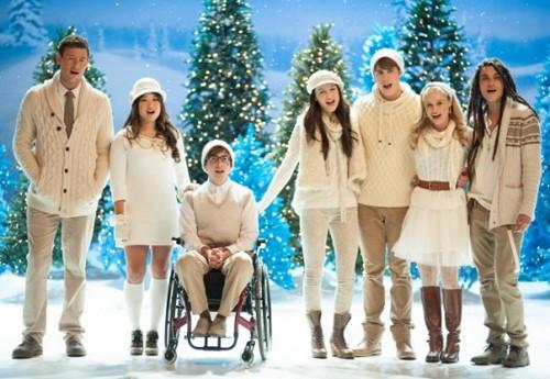 """Glee Season 4 Episode 10 """"Glee, Actually"""" Recap 12/13/12"""