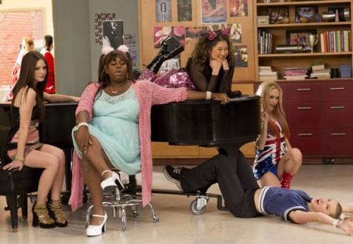 """Glee RECAP 3/21/13: Season 4 Episode 17 """"Guilty Pleasures"""""""