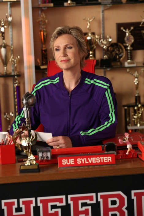 Glee Season 4 Episode 3 Review: A Predictable Makeover with a Capital P