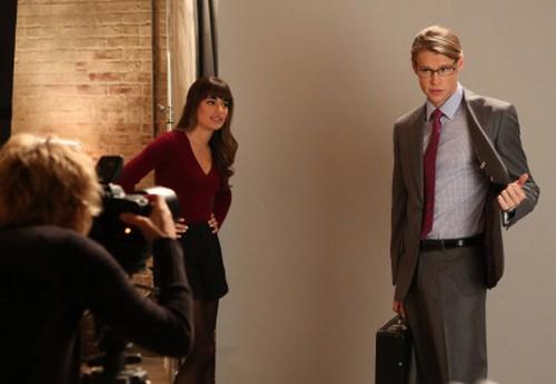 """Glee RECAP 11/21/13: Season 5 Episode 6 """"Movin' Out"""""""