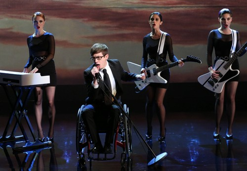 Glee_season_5_Episode_16