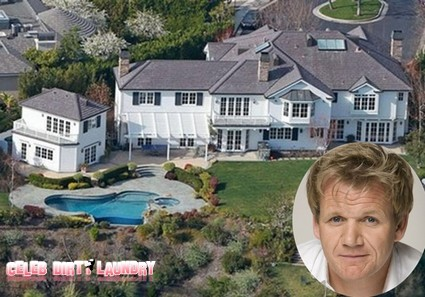 gordon ramsay proves 39 yelling at people 39 pays off celeb. Black Bedroom Furniture Sets. Home Design Ideas