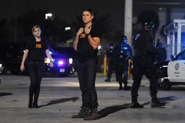 "Graceland Recap 7/16/14: Season 2 Episode 5 ""H-A-Double-P-Y"""