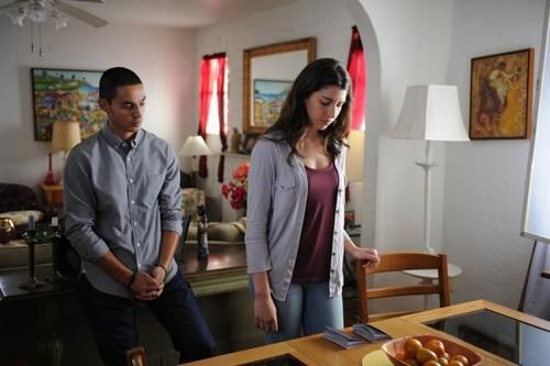 """Graceland Recap 7/30/14: Season 2 Episode 7 """"Los Malos"""""""