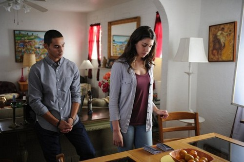 "Graceland Recap 7/30/14: Season 2 Episode 7 ""Los Malos"""