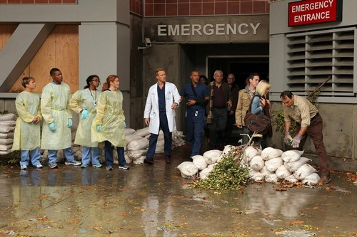 """Grey's Anatomy RECAP 9/26/13: Season 10 Premiere """"Seal Our Fate;I Want You With Me"""""""