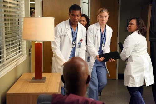 "Grey's Anatomy RECAP 10/17/13: Season 10 Episode 5 ""I Bet It Stung"""