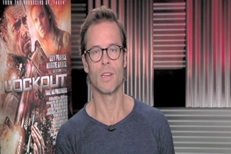 Exclusive Interview: Guy Pearce from Lockout (Video)