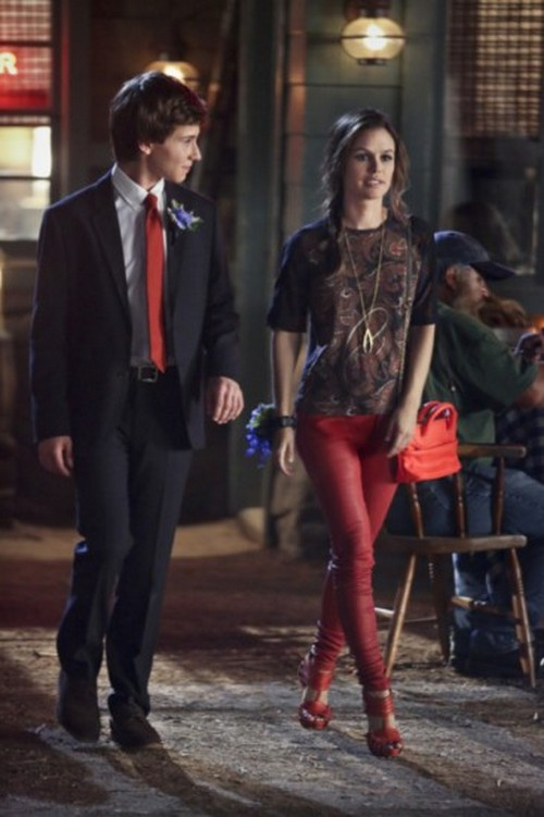 "Hart Of Dixie Season 2 Episode 7 ""Baby, Don't Get Hooked on Me"" Recap 11/20/12"