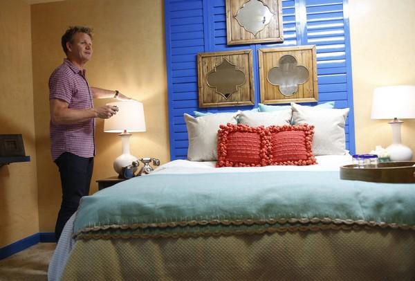 "Hotel Hell Recap 7/21/14: Season 2 Premiere ""Meson de Mesilla"""