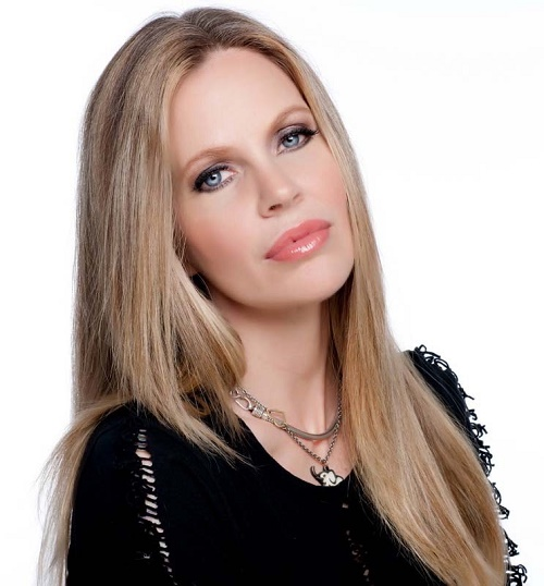 Kristin Bauer van Straten Dishes On Her Eye-opening New Documentary 'Earth Focus: Illicit Ivory' - CDL Exclusive Interview