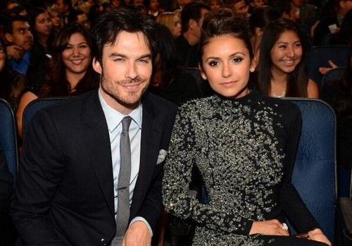 Ian Somerhalder and Nina Dobrev Back Together - Couple Share a Kiss at People's Choice Awards! (VIDEO)